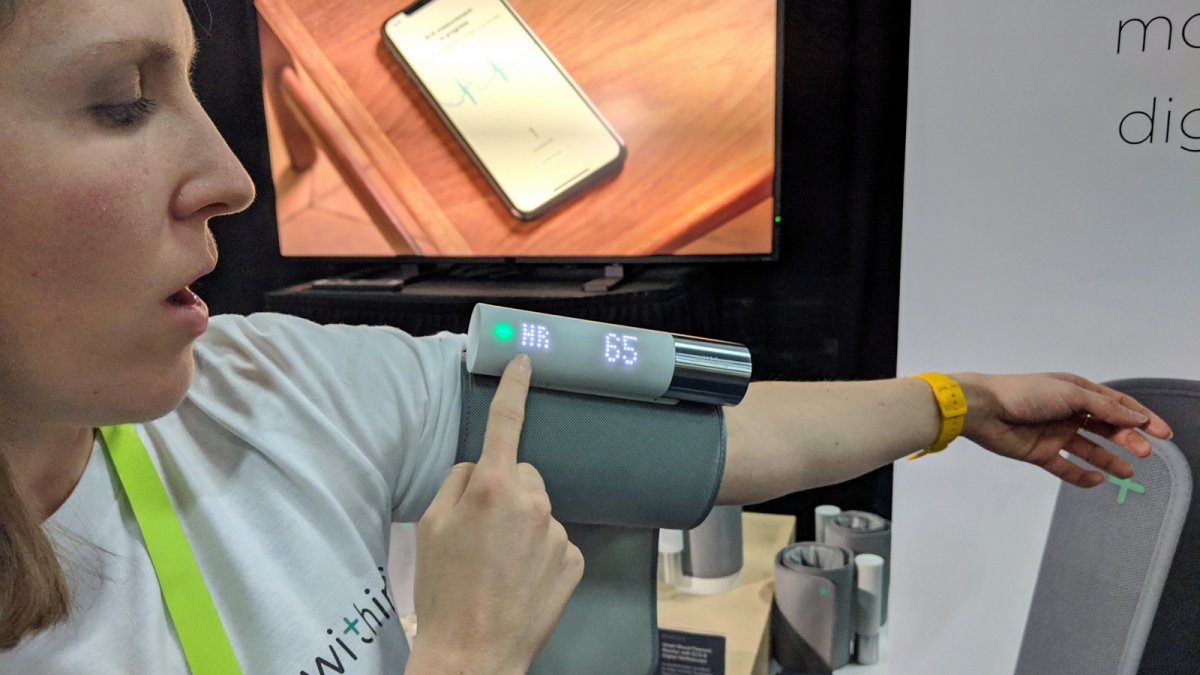 Smarte Blutdruckmesser: Withings BPM Core und Connect