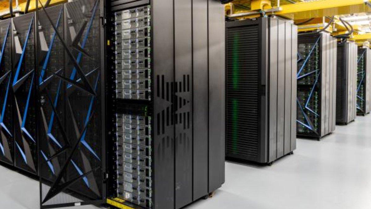 IBM-Umsatz fällt erneut deutlich