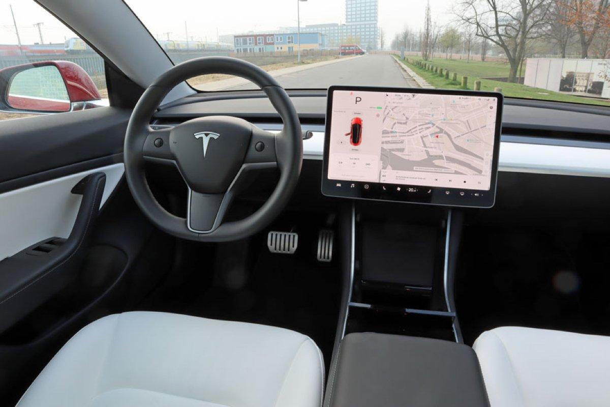 Tesla Model 3 Infotainment im Test: Was Tesla besser als Audi und BMW macht