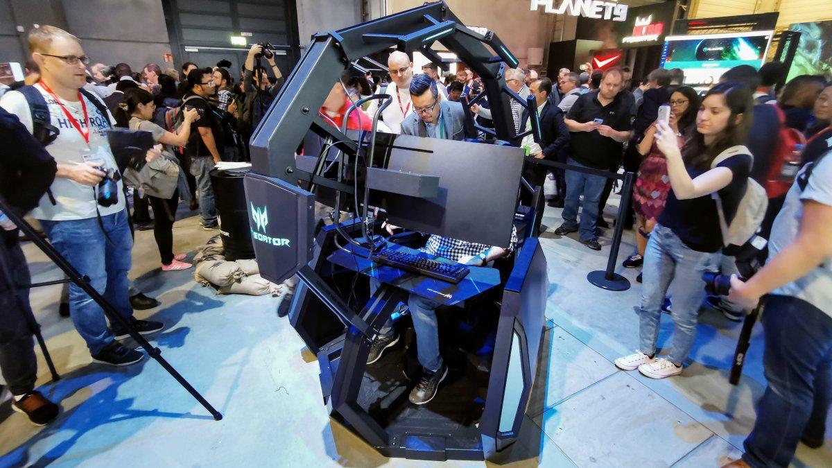 Gaming-Stuhl Acer Thronos Air probegesessen: Günstiger und mit Massagefunktion
