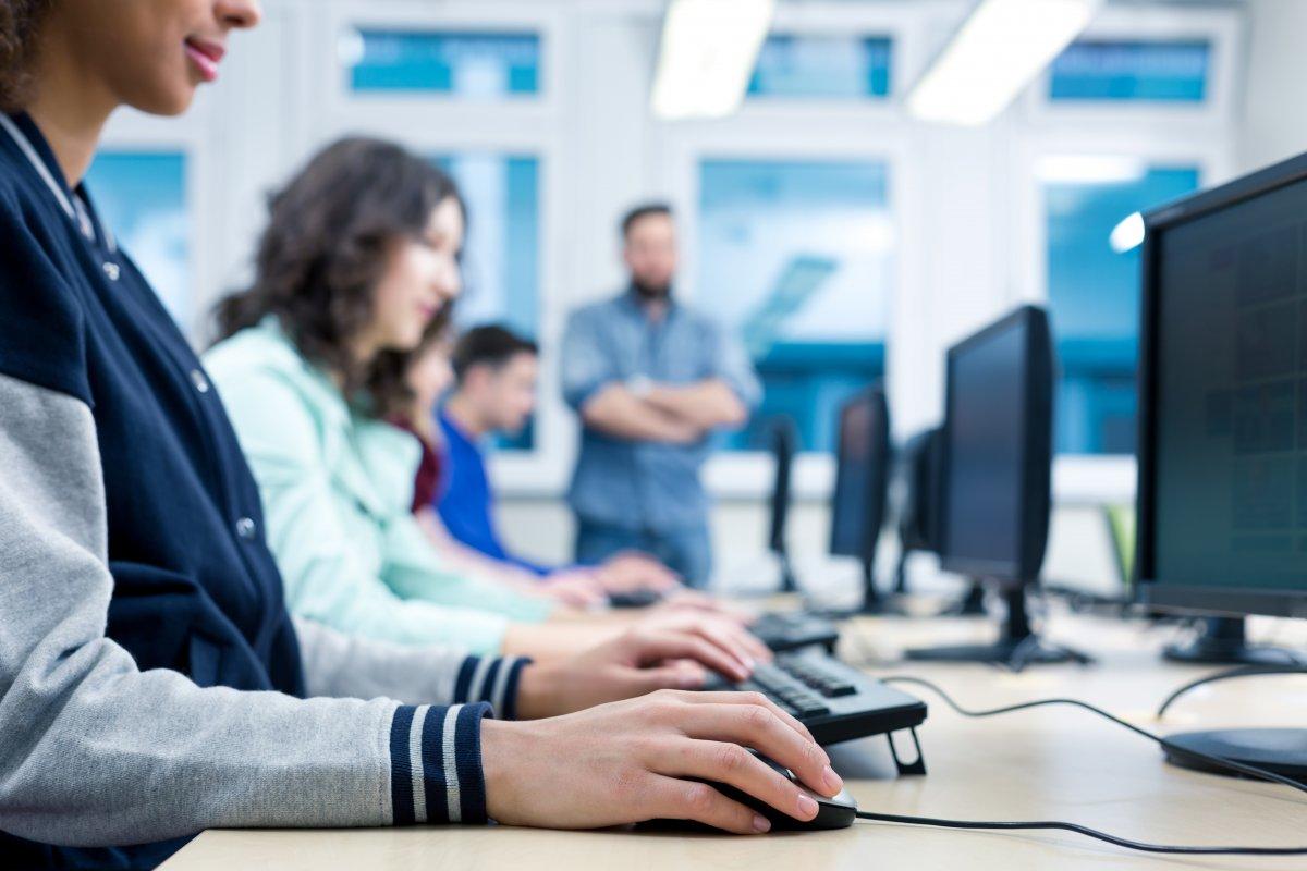 Gewerkschaft: Geld im Digitalpakt für Schulen reicht bei weitem nicht