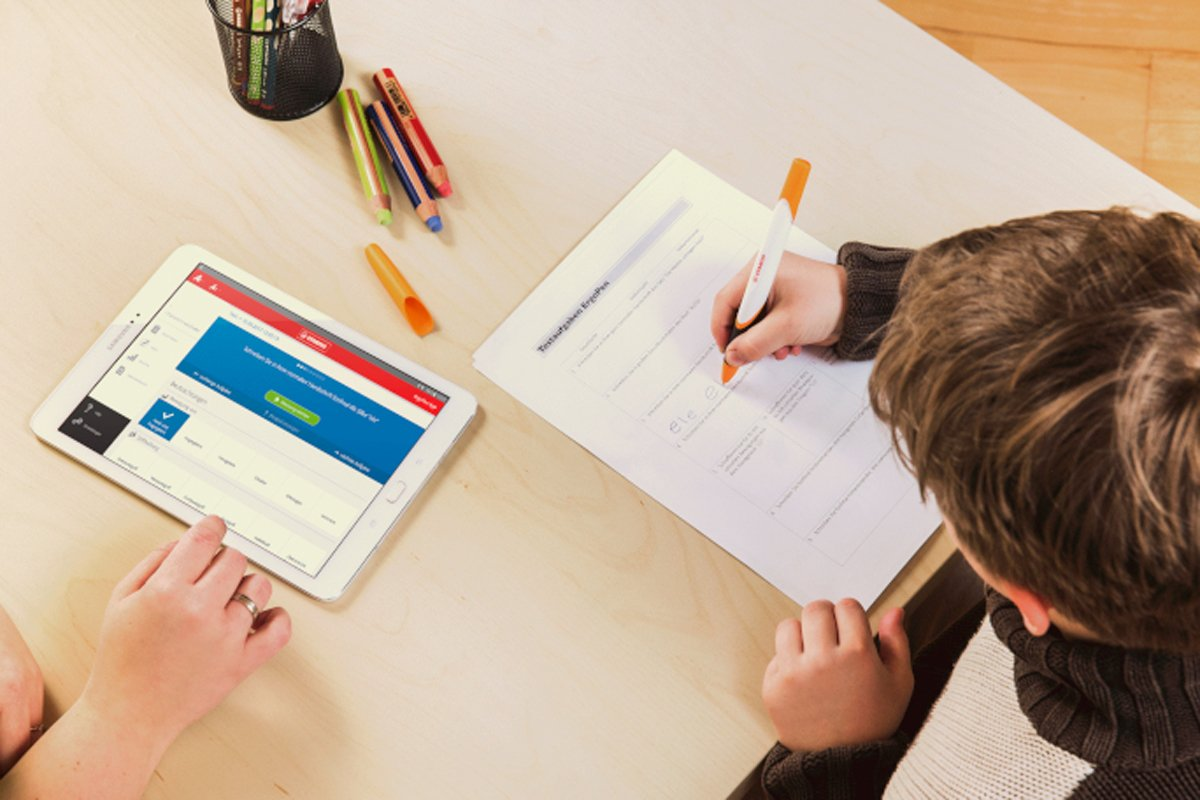 """Forscher entwickeln """"intelligenten Stift"""" zum Schreibenlernen"""