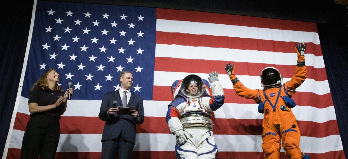 NASA: Neue Raumanzüge für künftige Mondmissionen vorgestellt