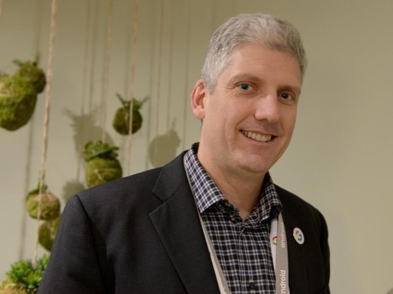 Google-Manager Osterloh warnt seine Gäste vor Smart Speakern