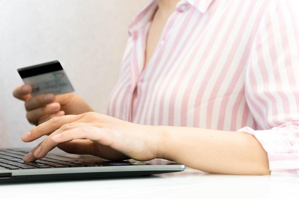 Sexismus-Vorwurf gegen Apple Card: Weitere Kritik an undurchsichtigem Algorithmus
