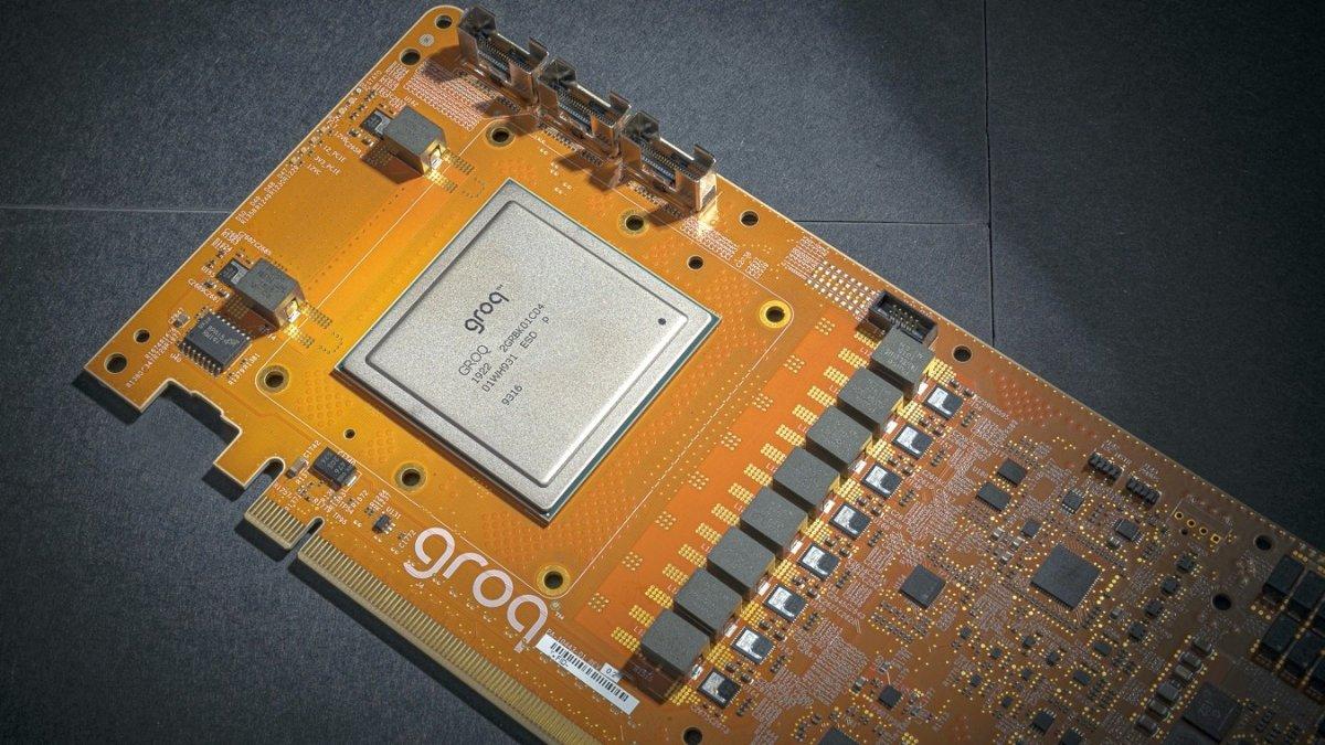 Groq: KI-Prozessor schafft eine Billiarde Operationen pro Sekunde