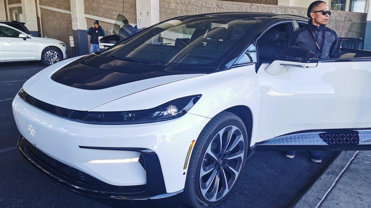 Elektro-Auto: Testfahrt im Faraday Future FF91