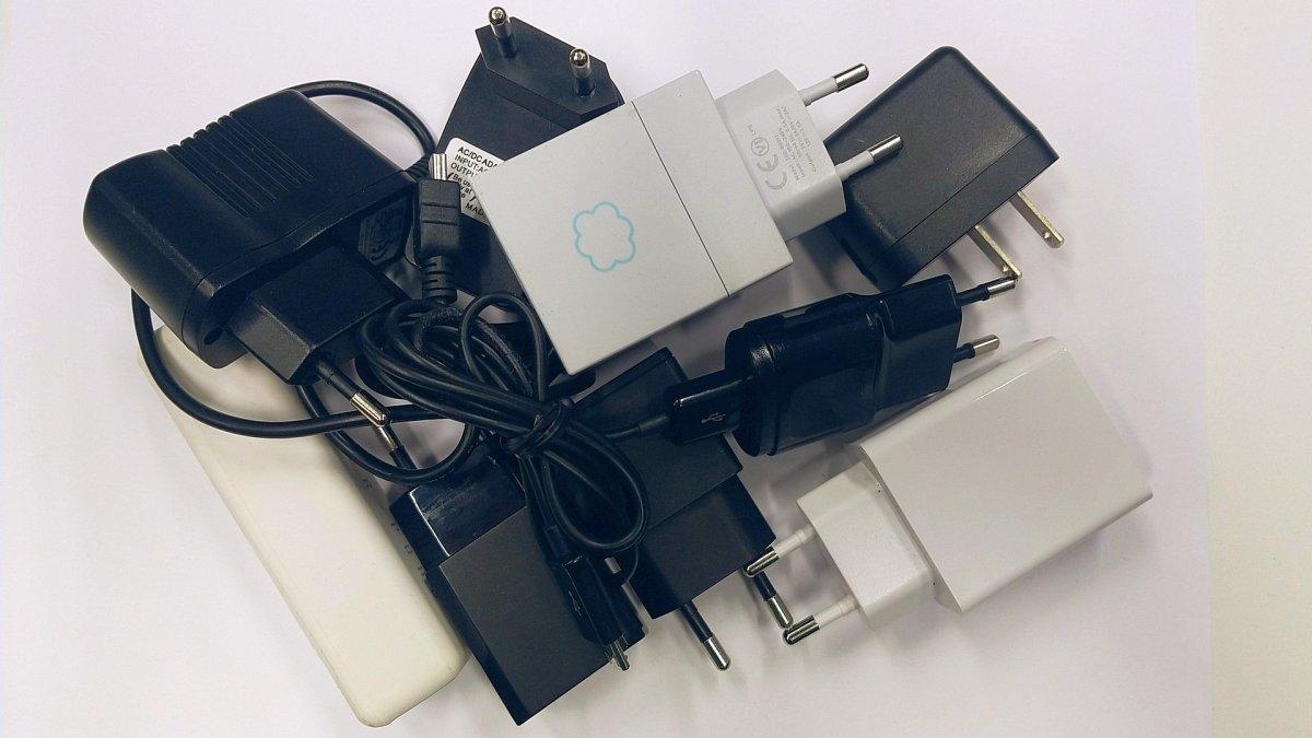Einheitliche (Handy-)Ladegeräte: Die EU kommt nicht in die Strümpfe