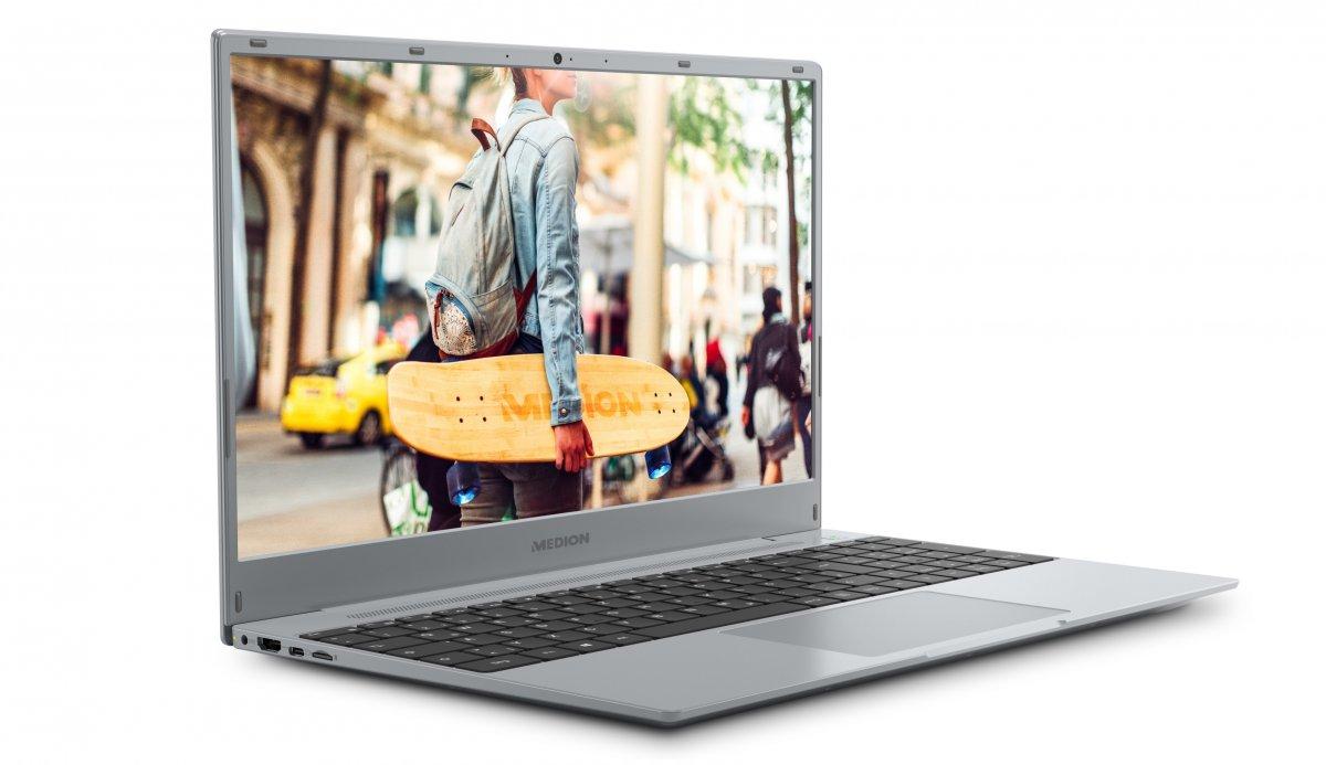 Medion Akoya E15302: 500-Euro-Notebook mit AMD-Ryzen-Prozessor