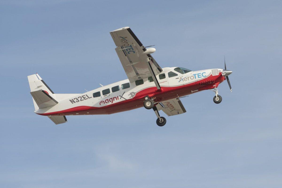 Vollelektrische Cessna hebt erstmals ab