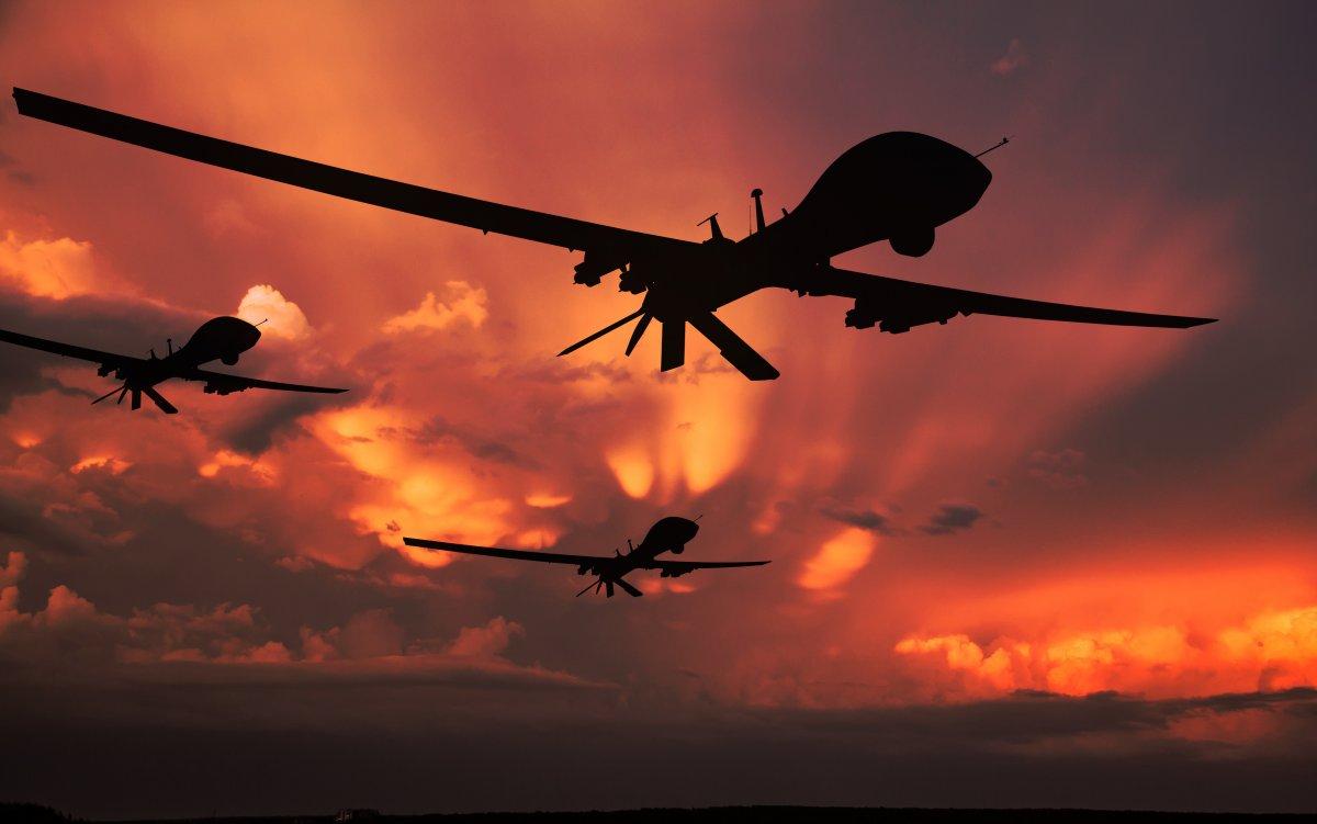 Maschinelle Kriegführung: Vom Drohnenschwarm zum Hyperwar