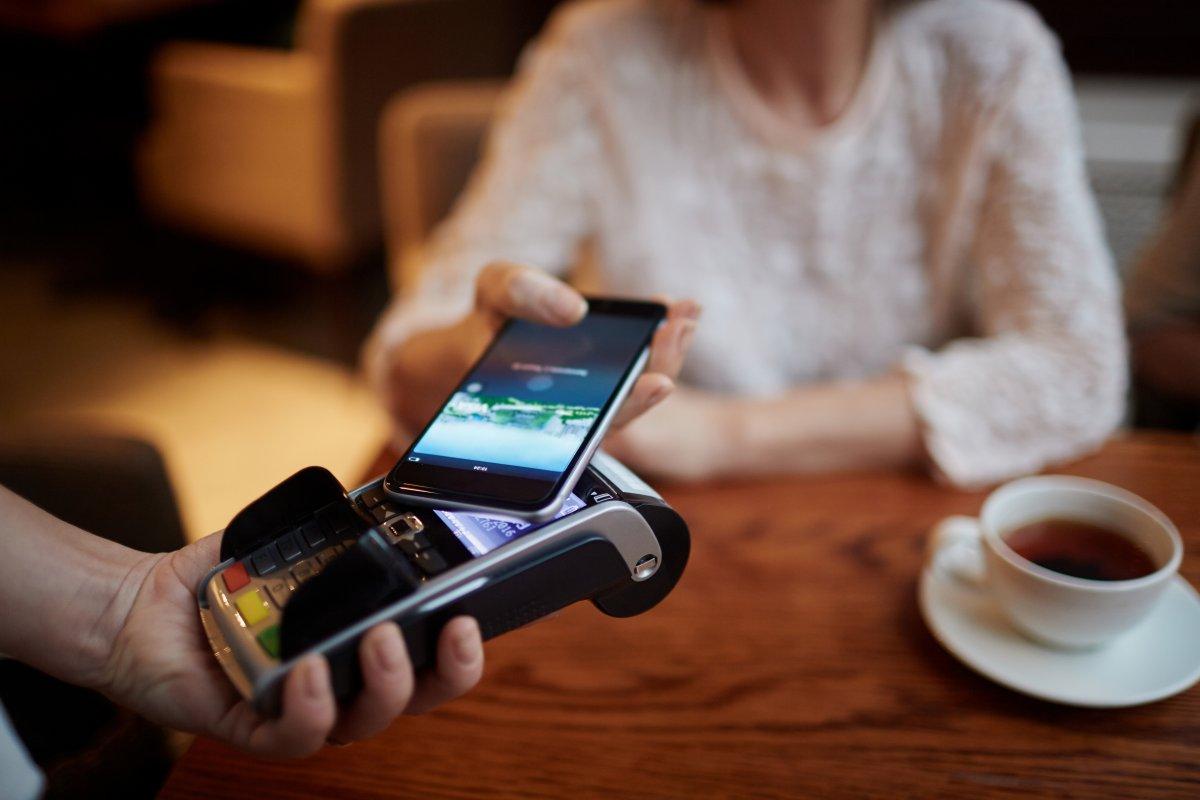 Girocard mit Rekordzahlen: Kontaktloses Bezahlen mit deutlichen Steigerungen - heise online