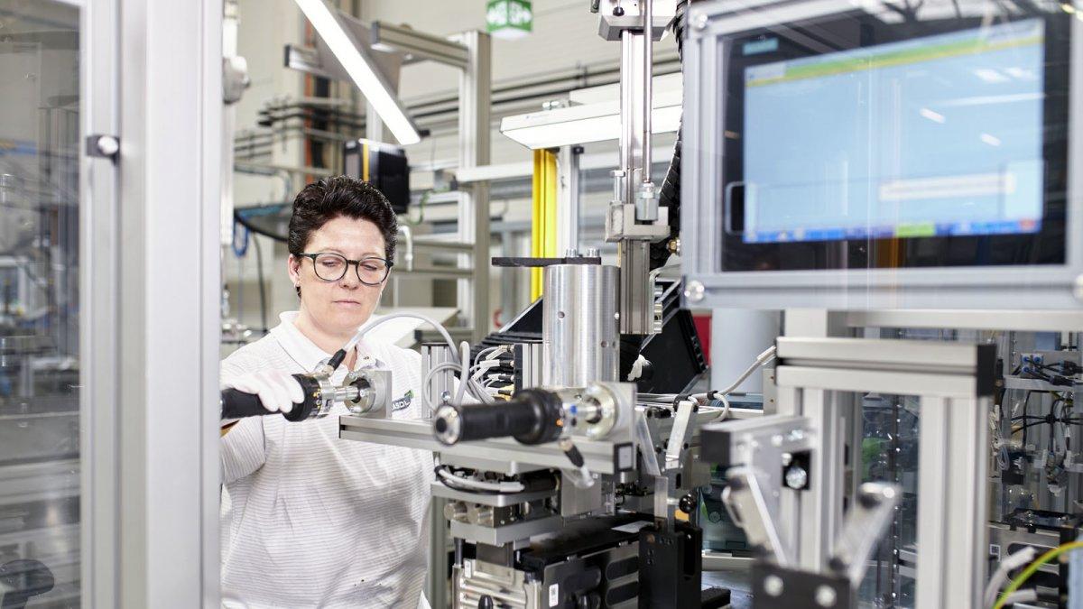 Kaufangebot für deutschen E-Auto-Batteriehersteller Akasol von BorgWarner - heise online