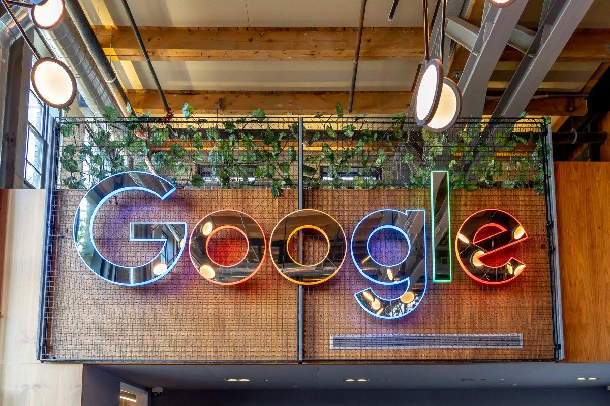 Google feuert Gründerin und Co-Leiterin des Teams für ethische KI - heise online