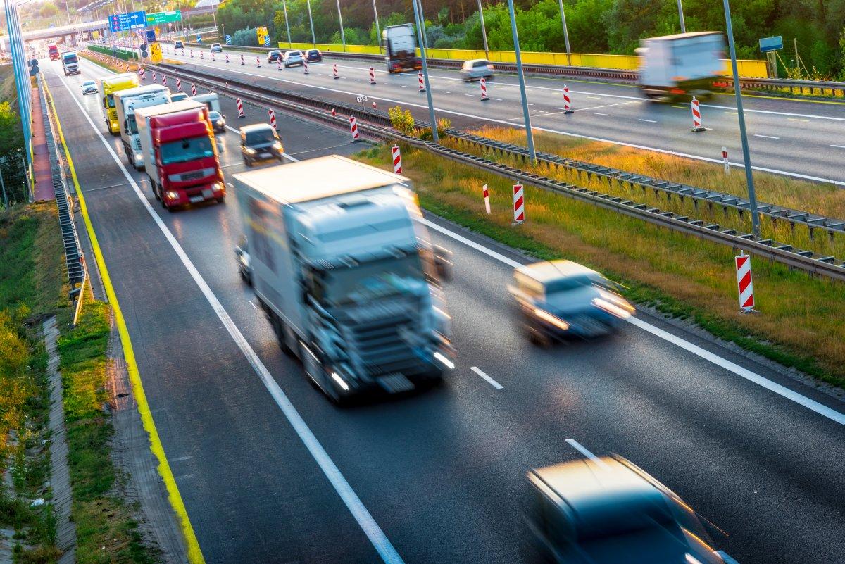 Daimler-Truck-Chef: Zusammenarbeit mit US-Motorenbauer bringt Zeit - heise online