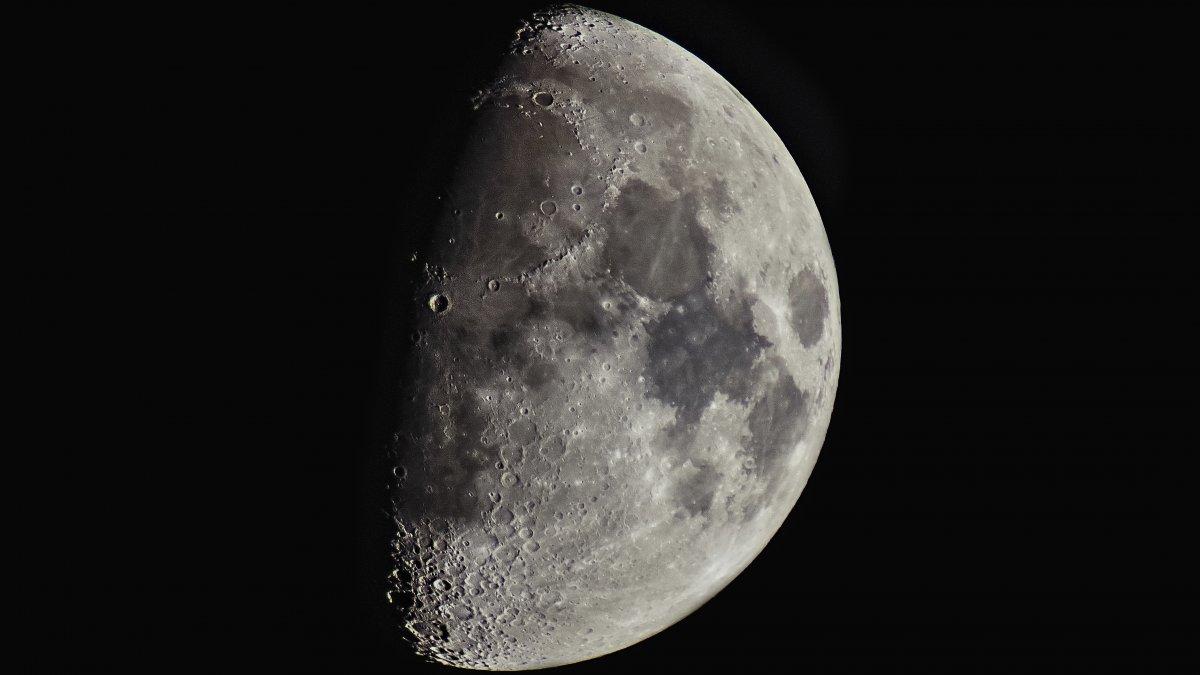 Fotopraxis: Hochauflösende Mondbilder mit einfachen Mitteln