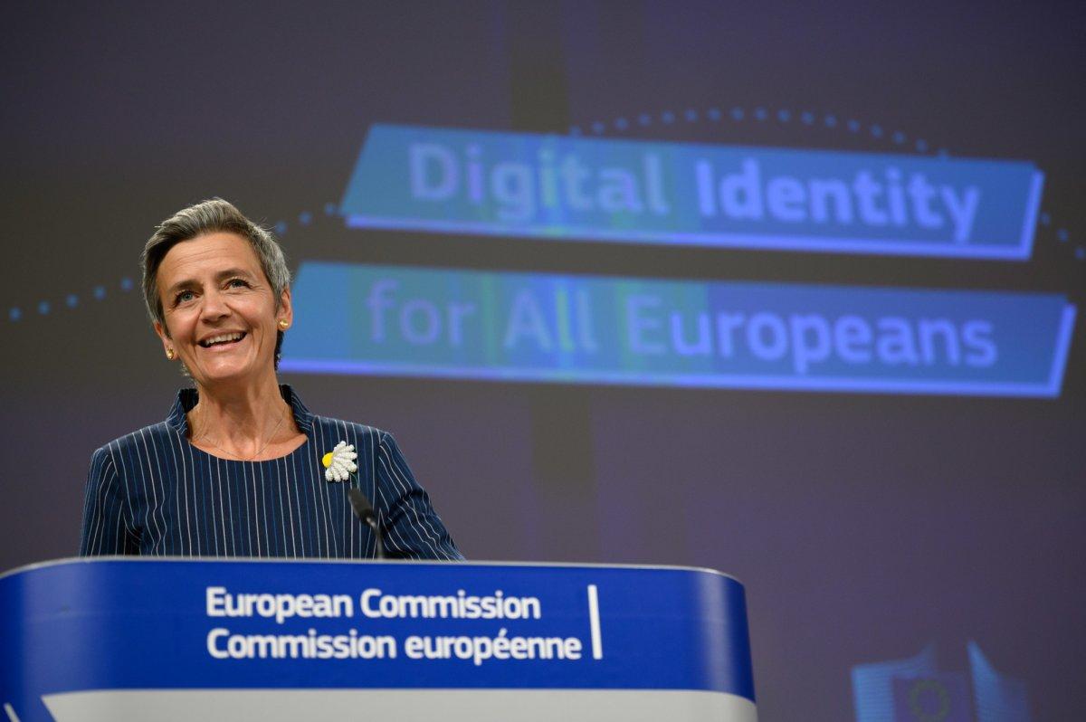 EUid: Online-Ausweise kommen EU-weit, Facebook & Co. müssen sie anerkennen
