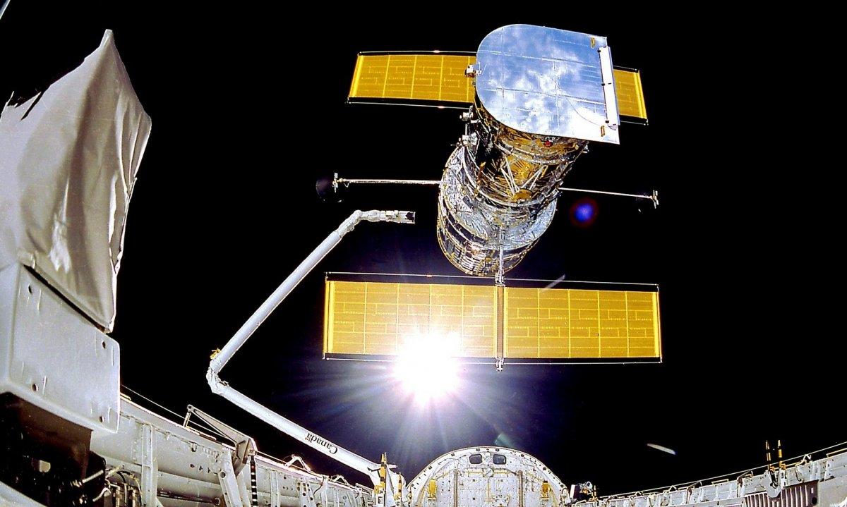 Altersschwacher Speicher: Weltraumteleskop Hubble noch außer Betrieb