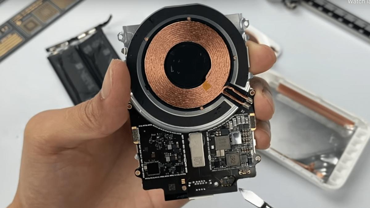 Apples MagSafe-Akkupack auseinandergenommen