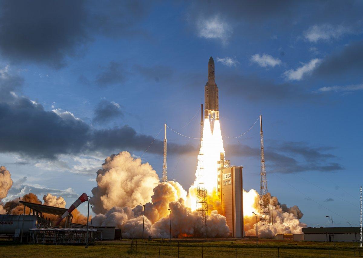 Eutelsat Quantum: Erster reprogrammierbarer Universal-Satellit gestartet