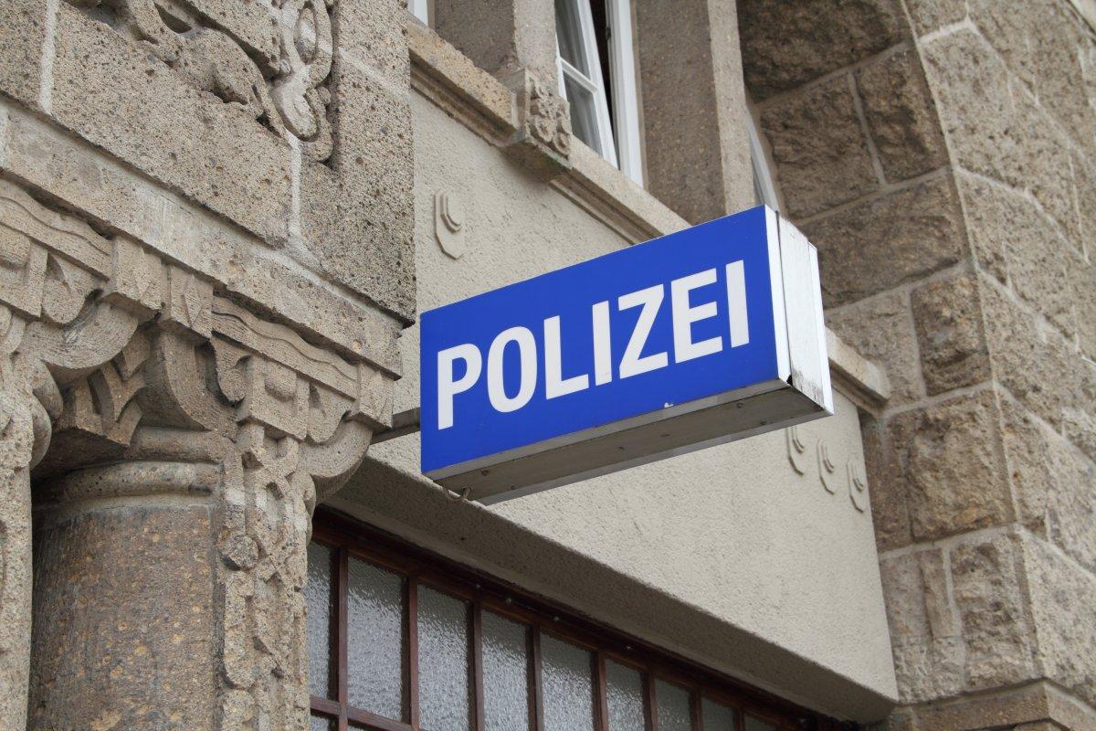 """Nach rechtsextremen Polizisten-Chats: NRW will """"Netiquette"""" für Beamte"""