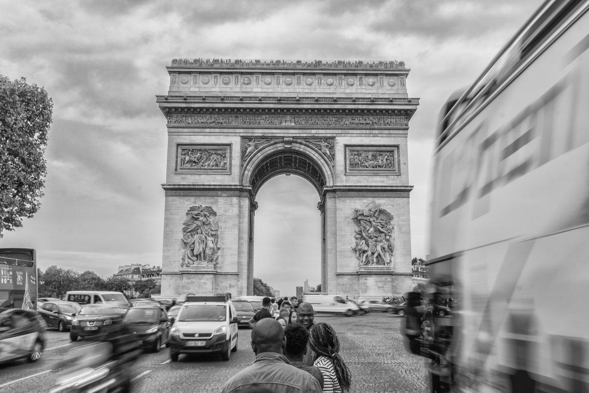 Paris: Neue Sensoren sollen Lärm-Rowdies überführen