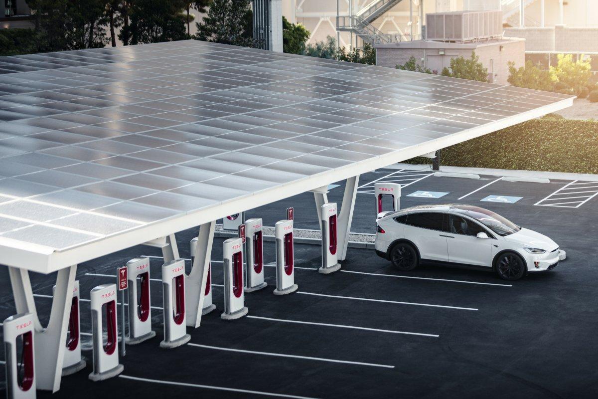 VW-Zukunft: Diess lädt Tesla-Chef zu einer Führungskräfte-Tagung ein