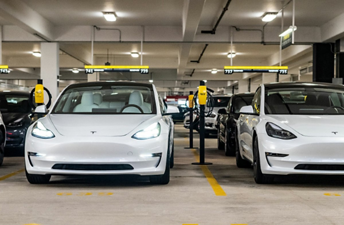 Elektroautos: Autovermieter Hertz bestellt 100.000 Teslas