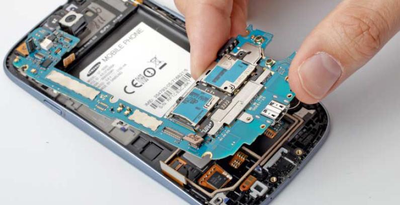Handy kaputt? Start-Ups vergleichen Reparaturpreise