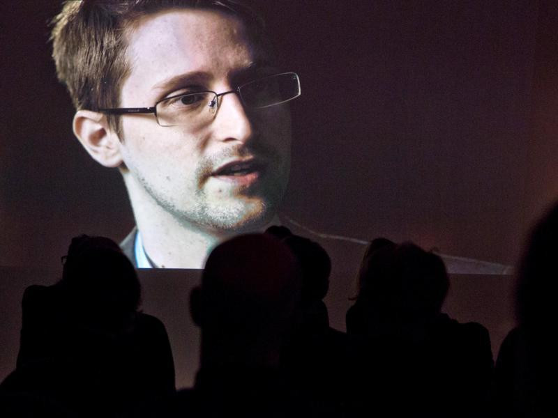 Edward Snowden lobt Apple
