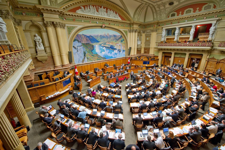 Schweizer Nationalrat stimmt für Verschärfung des Überwachungsgesetzes