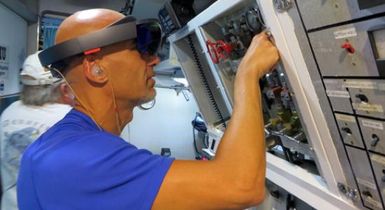 Augmented Reality: Microsofts HoloLens-Technik soll Astronauten helfen