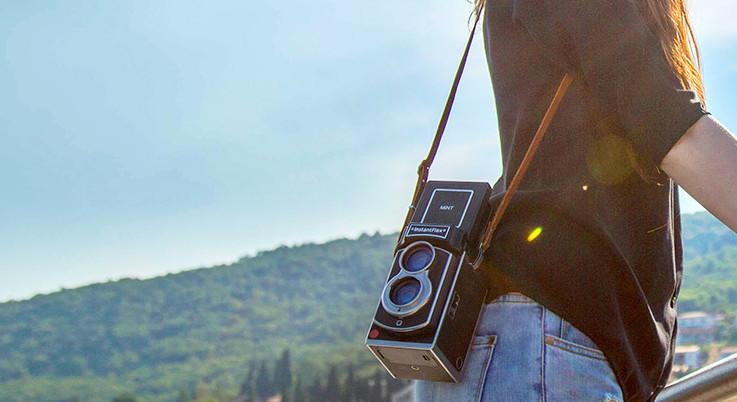 InstantFlex TL70 2.0: neue Version der zweiäugigen Sofortbildkamera
