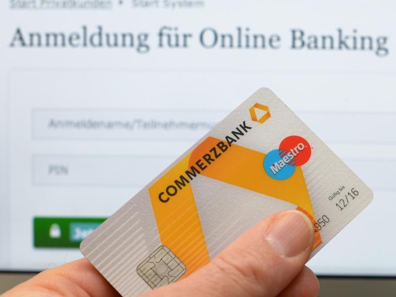 Kontogebühren und IT-Ausfälle: Viele Bankkunden beschweren sich bei der Bafin