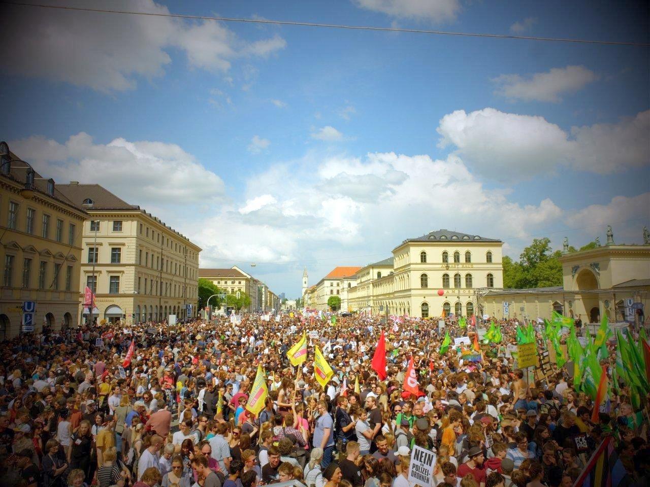 München: 30.000 demonstrieren gegen Polizeiaufgabengesetz der CSU