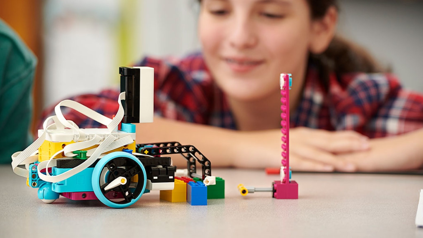 Spike Prime: New programmable robot kit from Lego Education