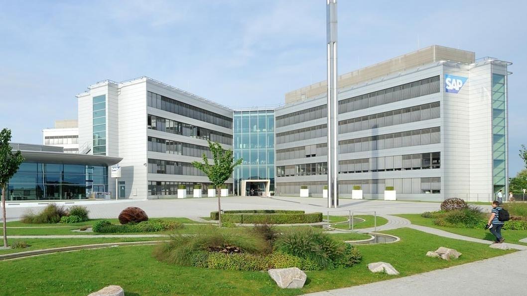 SAP schreibt trotz zweistelligen Wachstums Verluste