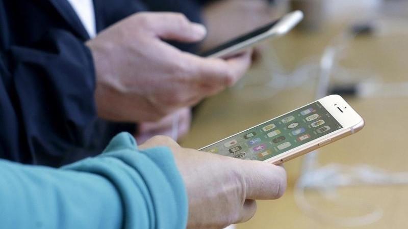 Ärger wegen iPhone-Drosselung: Apple will klarer informieren