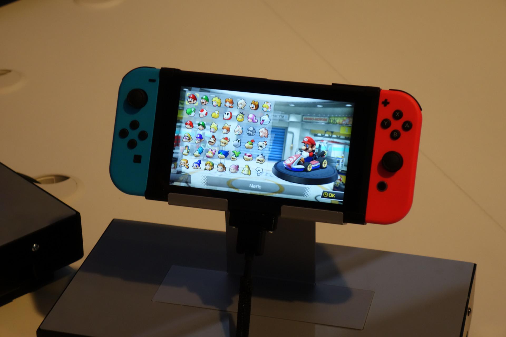 new styles 87355 4ccc9 Nintendo Switch Hands-on  Zelda ruckelt auf dem Fernseher   heise online