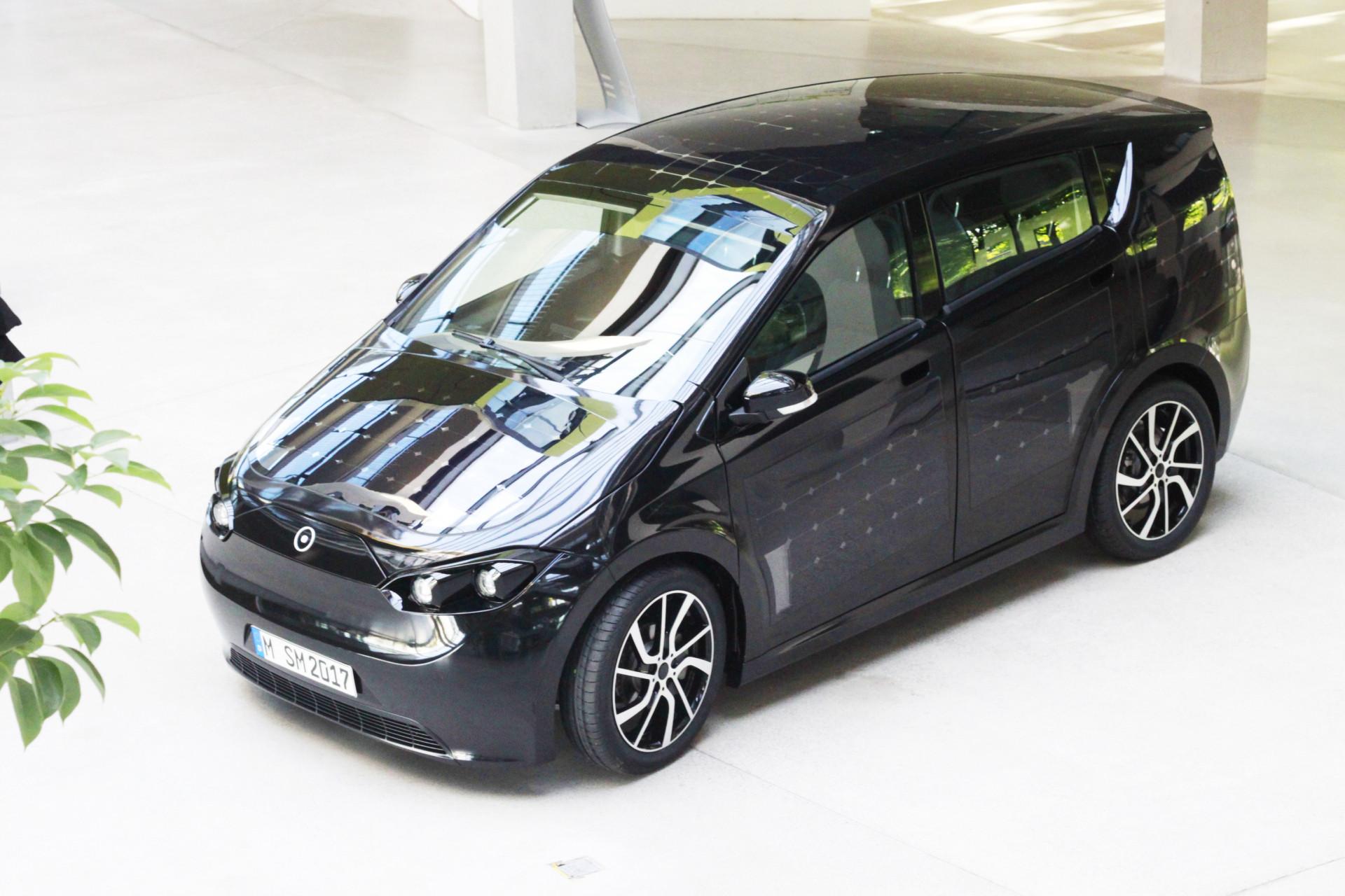 Elektroauto Sion: Münchner Startup Sono Motors zeigt Prototyp mit ...