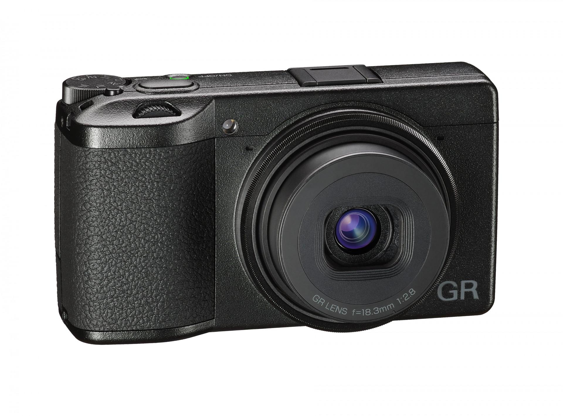 Ricoh GR III: Kompaktkamera mit APS-C-Sensor | heise online