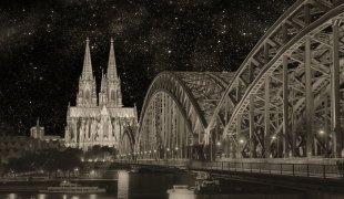 Köln bei Nacht von leverkusen