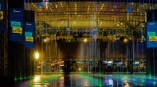 Mercedes Benz Arena, Brunnen, Berlin von Rupp54