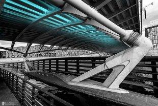Das Leuchten unter der Brücke von kraftberg
