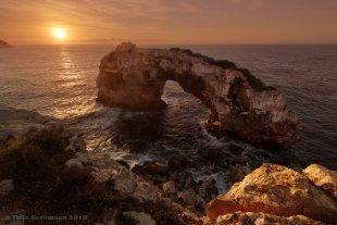 Sonnenaufgang El Pontas in Cala Santanyi von tbeckmann