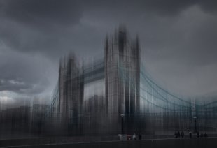 Tower Bridge von Mikrobiene
