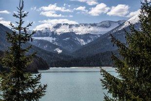 Bergsee, Alpen von Dirijabl