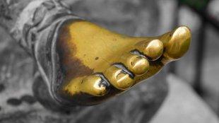 Goldener Fuß von achimbitzer