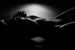 Aktshooting Körperlandschaften in schwarzweiß (Aktfotos/Aktfotografien) von Kristian Liebrand