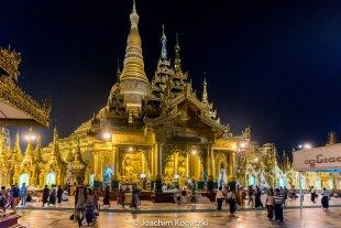 Shwedagon Pagode bei Nacht, Yangon von Joachim Kopatzki